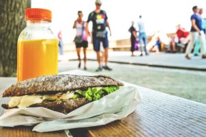 healthy eating when travelling